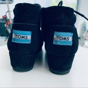 TOMS Wedges kid size 2